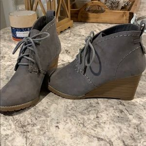 Grey Laced Wedges